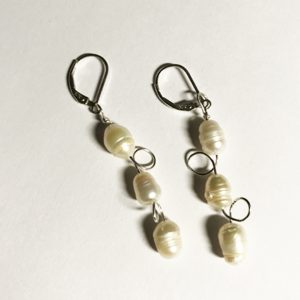 image of White Circle Pearl Earrings